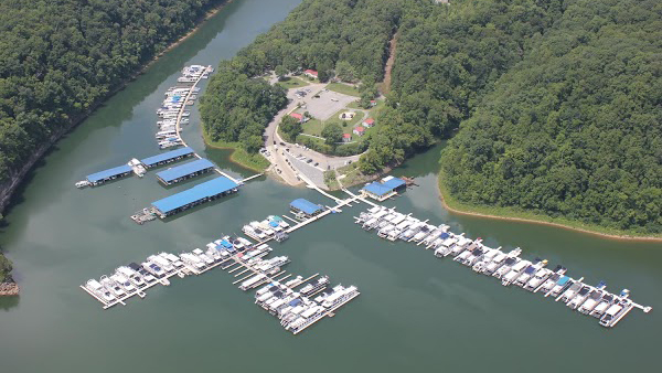 Fishlipz Resort and Grill at Pates Ford Marina LLC
