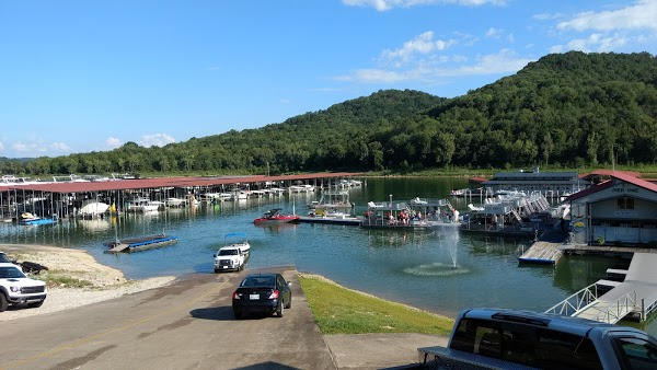 Center Hill Marina & Yacht Club