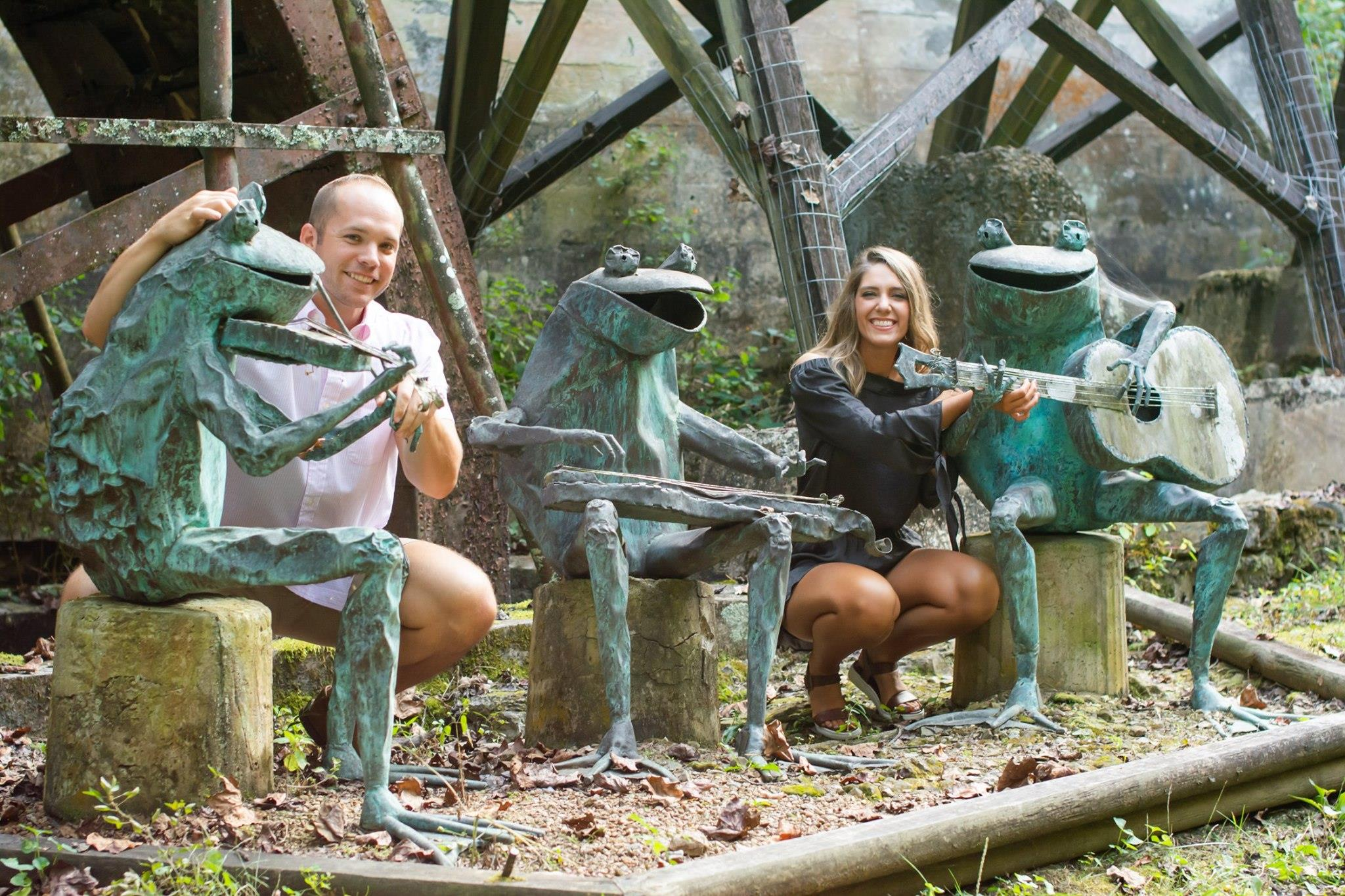 guests with frogs